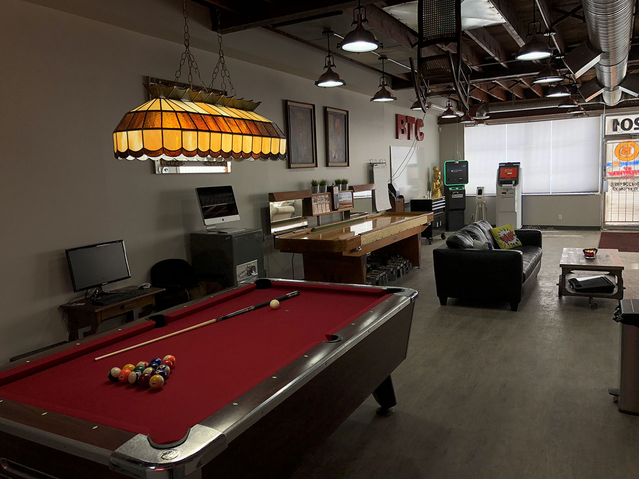 Our CryptoNutz Meetup room!